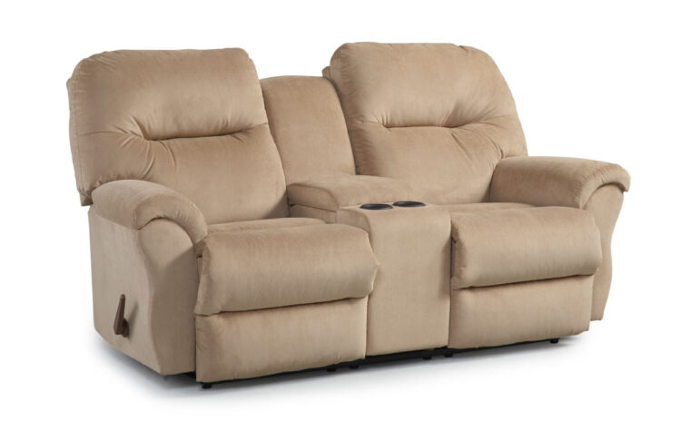 This transitional style sofa has Performa-Weave technology in the chaise pad