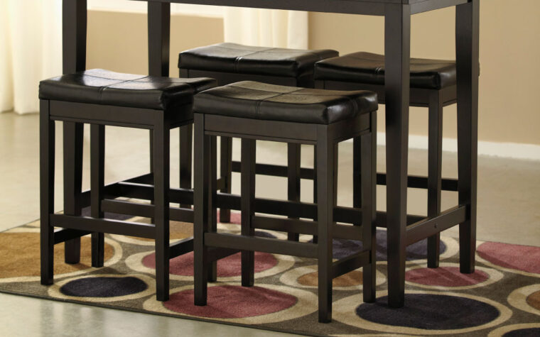kimonte barstool is a traditional barstool with dark black leather and dark wood finish on the wood