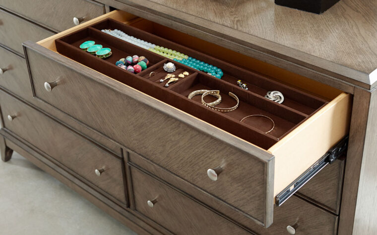 apex dresser with jewelry tray