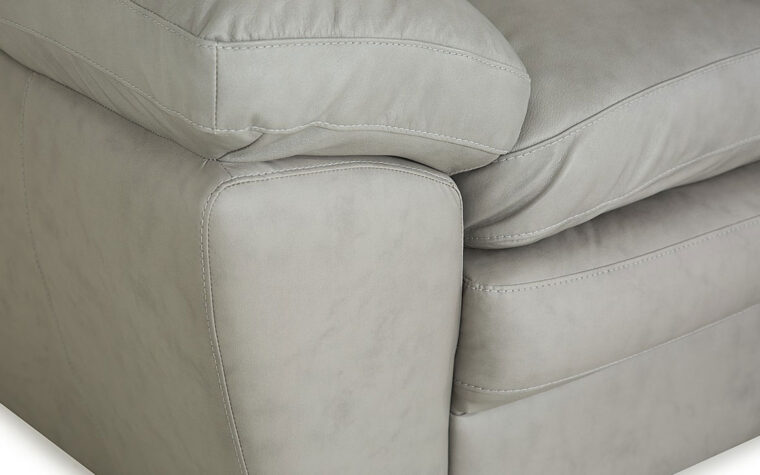 77327-03 thurston loveseat detail shot