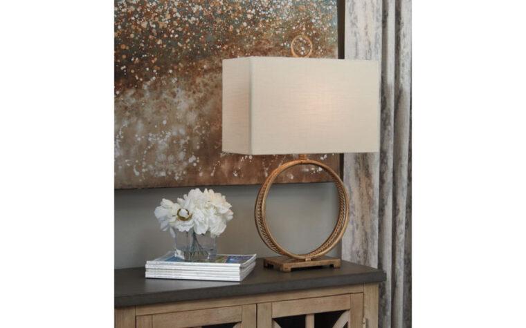 Mahala Metal Table Lamp room