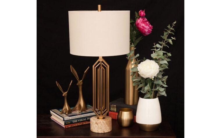 Dawes Lamp room shot