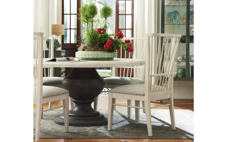 Round Cottage Dining Table room shot