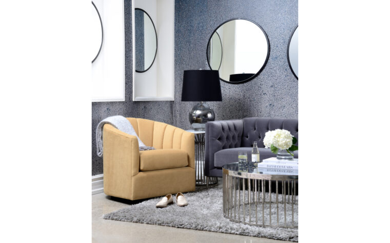 2879 Swivel Chair - room