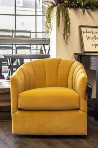 2879 Swivel Chair - Showroom Model