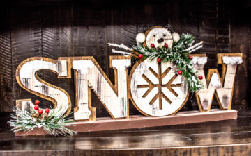 SNOW - Christmas-themed decor (inexpensive gifts)