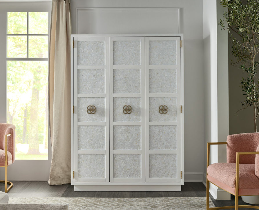 Universal - declutter - Peony armoire