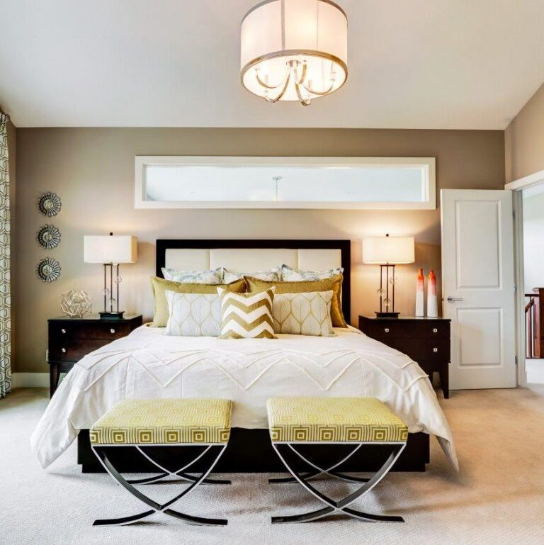FridaWasabi - bedroom design - Vogel Sabre Benches at end of bed