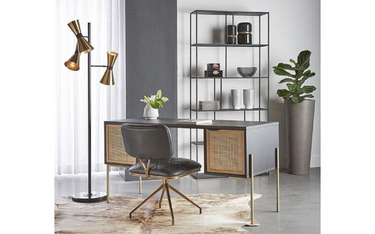 Avida desk lifestyle 2