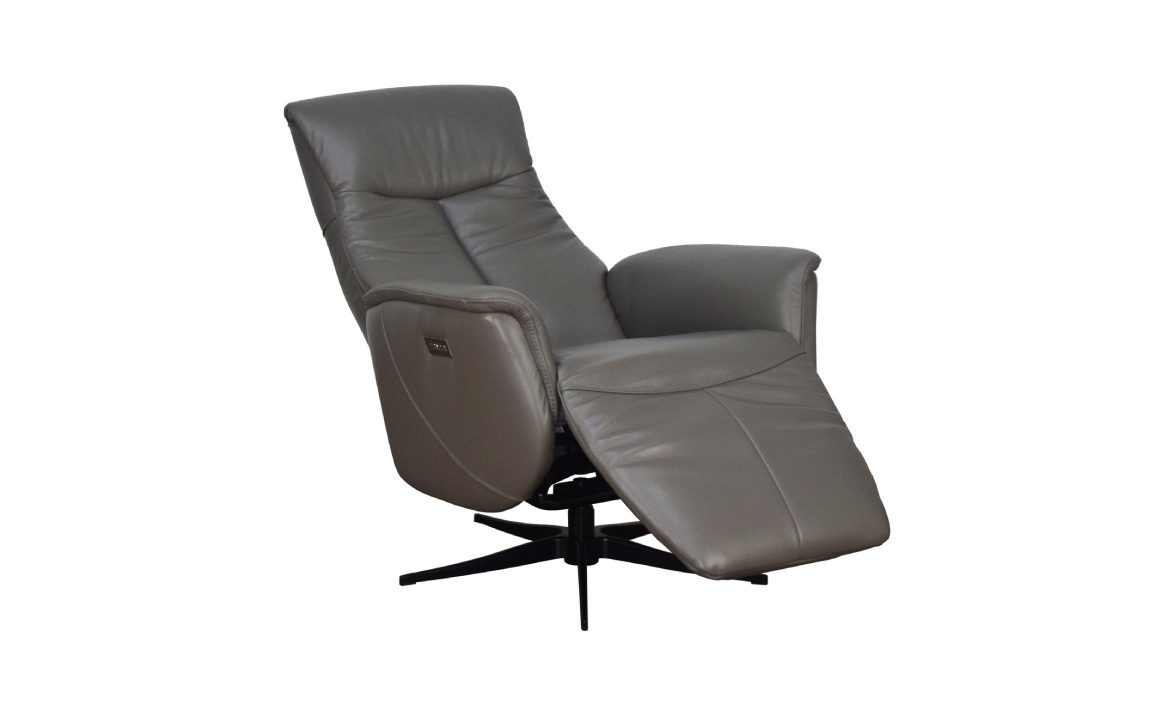 Q30 Reclining angle view